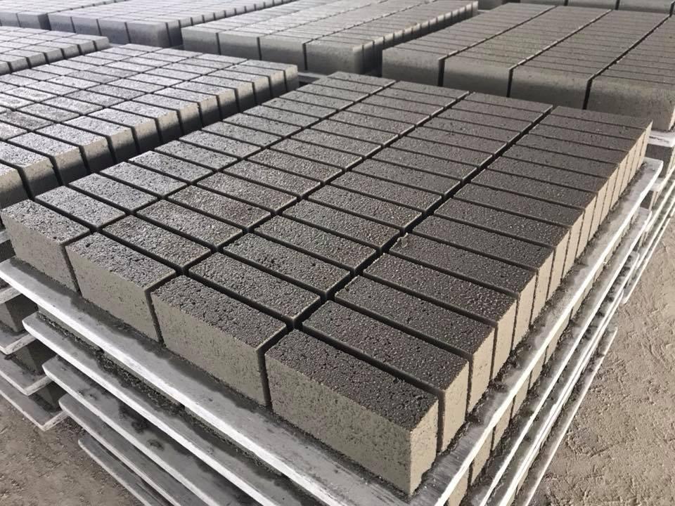 Gạch xi măng cốt liệu và gạch nhẹ, nên chọn loại nào?